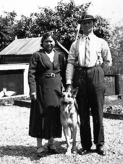 Fortwachter Pijl en zijn vrouw.
