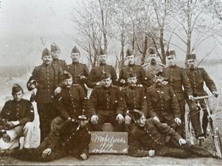 Groepsfoto Fort bij Spijkerboor met Peter Burgers