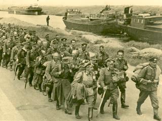 Aftocht van Duitse krijgsgevangenen in 1945.